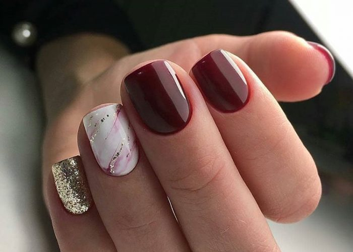 дизайн коротких ногтей бордовый