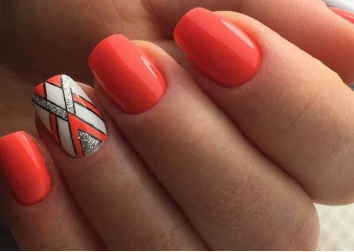 яркий дизайн ногтей на лето