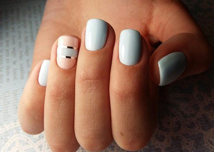 Маникюр в светлых тонах на короткие ногти