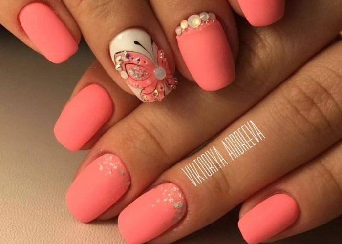 Матовый цвет на ногтях